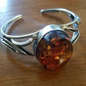 Jewelry - Amber & sterling silver cuff